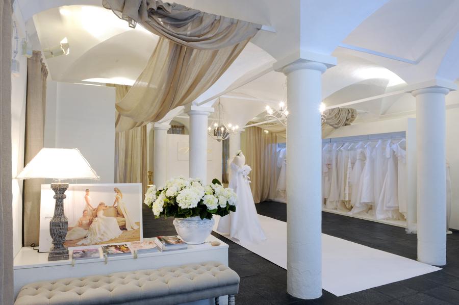 Foto atelier mariage hautecoture firenze de vergalli for Negozi arredamento bergamo