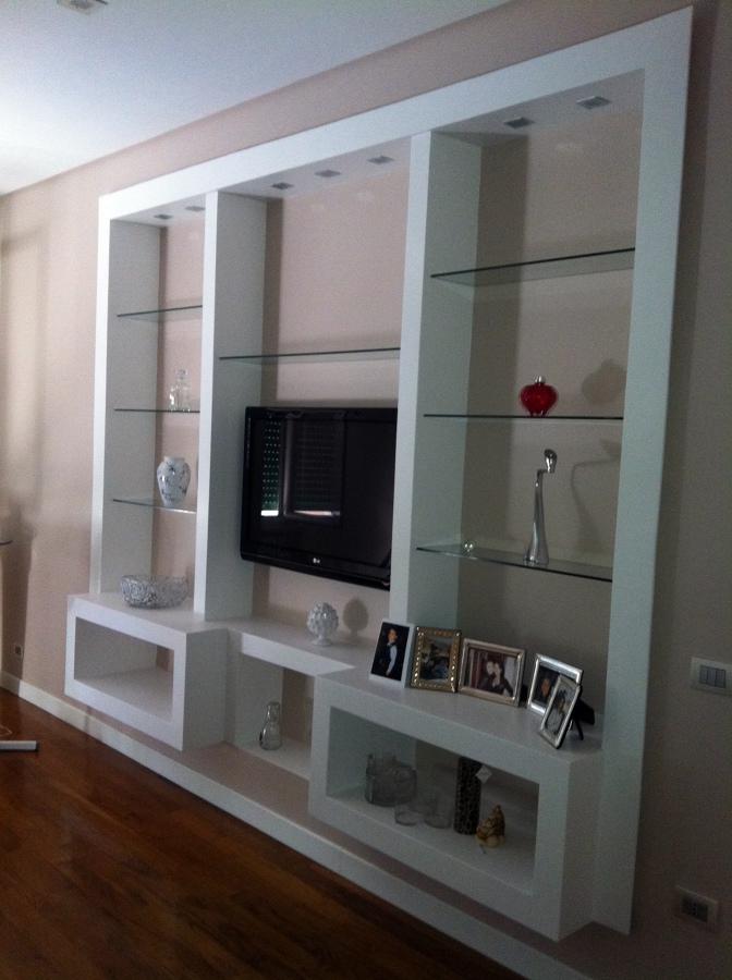 Foto parete attrezzata in cartongesso con led di archin for Costo medio per costruire una casa con 4 camere da letto