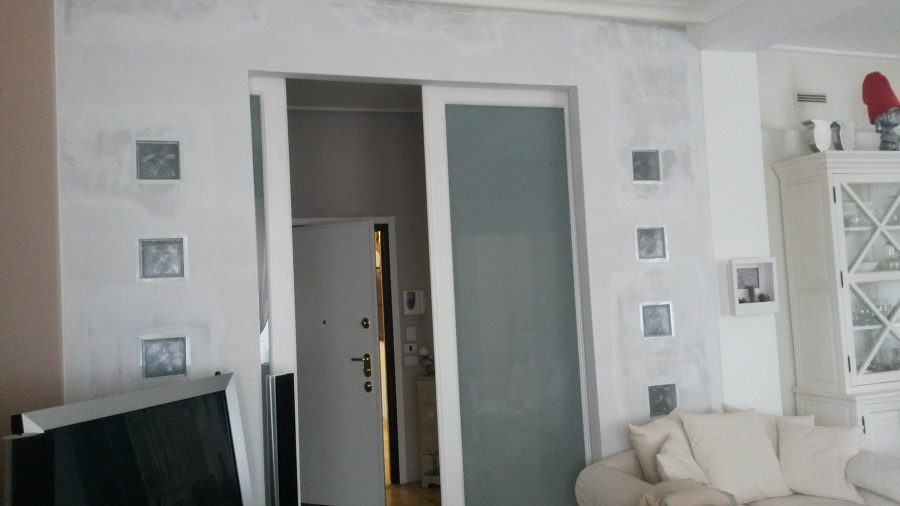 Foto parete in cartongesso con vetrocemento di di effe - Porta parete cartongesso ...