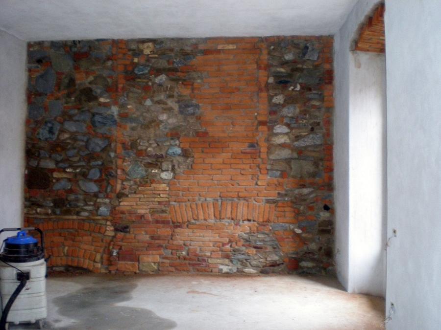 Pareti rivestite in pietra parete finta pietra with for Pareti interne in pietra ricostruita