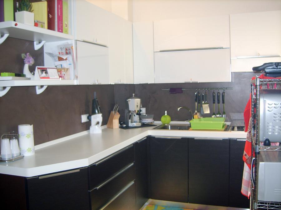 Foto parete in resina di cellini fabio isolamenti 97667 habitissimo - Alternativa piastrelle cucina ...