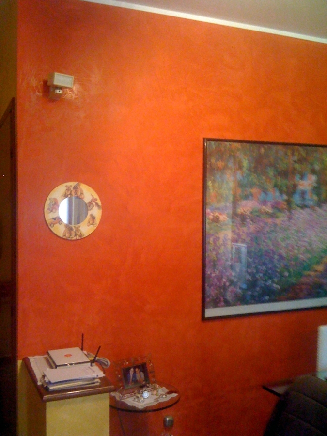 Foto parete sala spatolato de impresa di tinteggiature for Parete sala