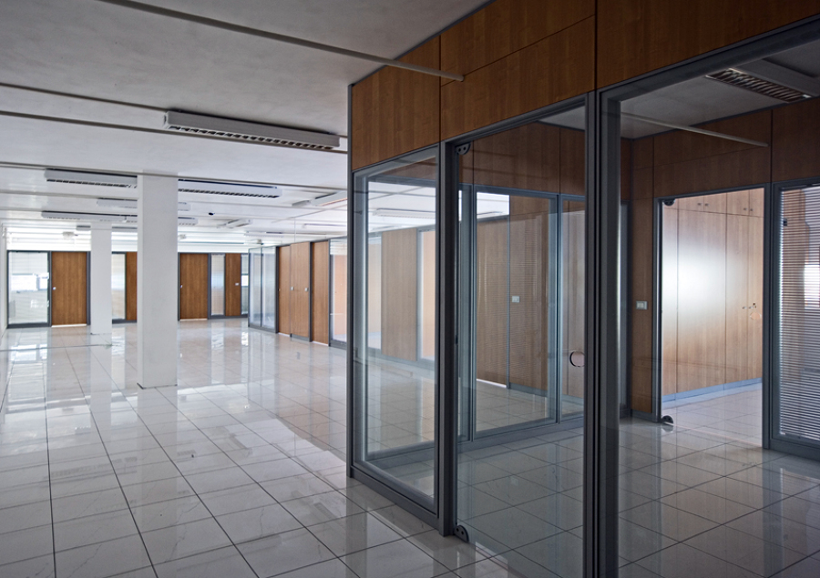 Foto pareti divisorie melaminico vetro de codutti 57813 for Ufficio decoro urbano messina