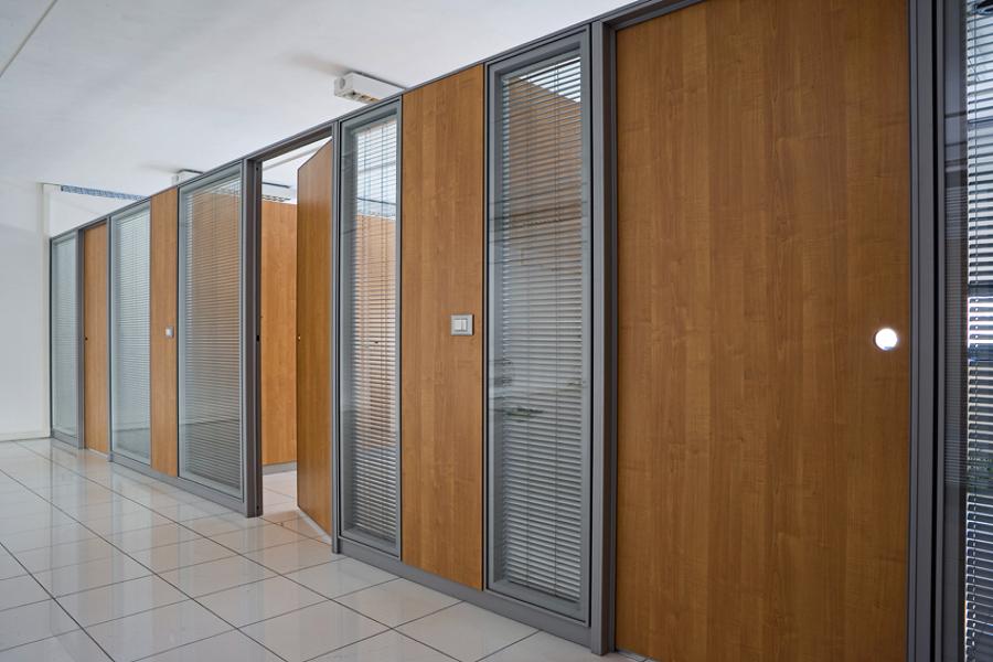 Foto pareti divisorie melaminico vetro di codutti 57814 for Ufficio decoro urbano messina