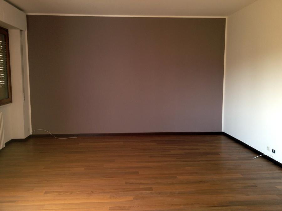 Camera da letto bianca con parquet la scelta giusta - Camera da letto con parquet ...