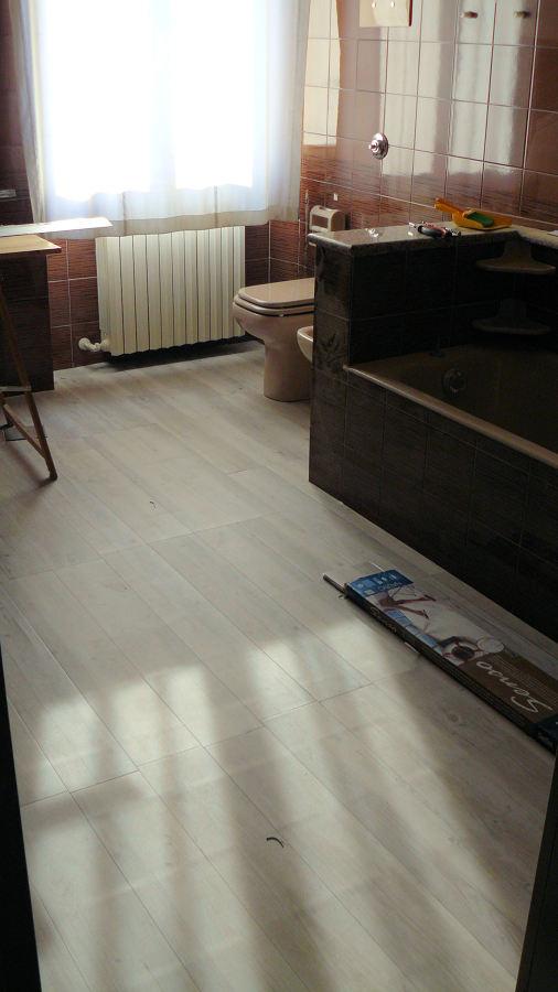 foto parquet in pvc di genio riparazioni 148167. Black Bedroom Furniture Sets. Home Design Ideas