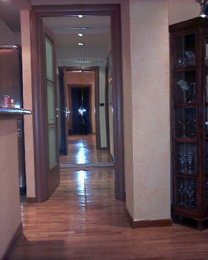 Casa moderna roma italy parquet verniciato for Casa moderna parquet