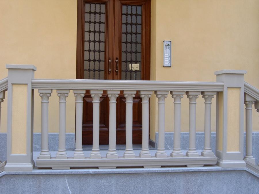Particolare balcone dopo la ristrutturazione