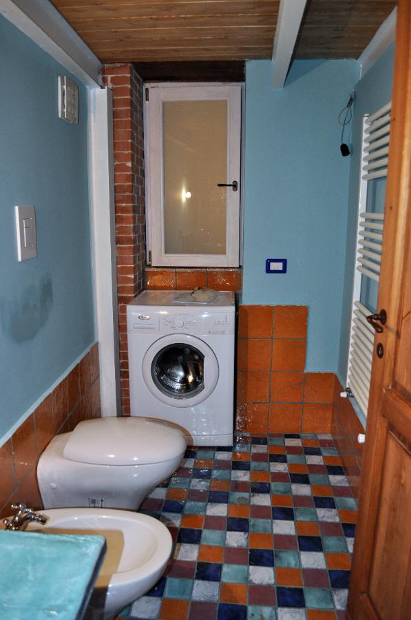 Foto particolare del bagno della camera da letto di for Camera da letto del soffitto della cattedrale