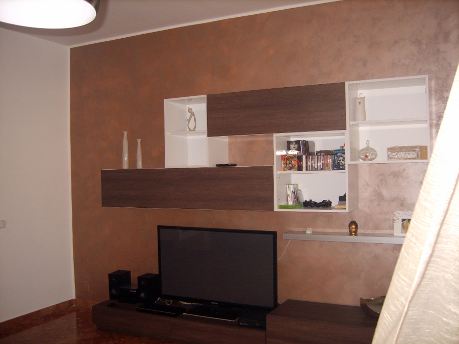 Foto particolare pitturazione soggiorno di cellini fabio - Pitturare il soggiorno ...