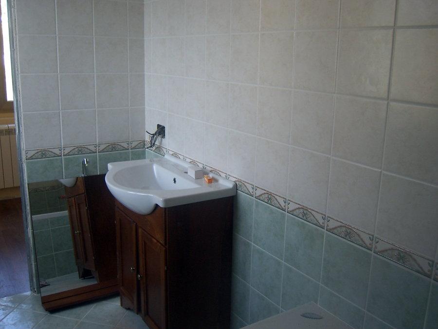 Foto particolare rivestimento bagno de tecno impianti - Posa rivestimento bagno ...