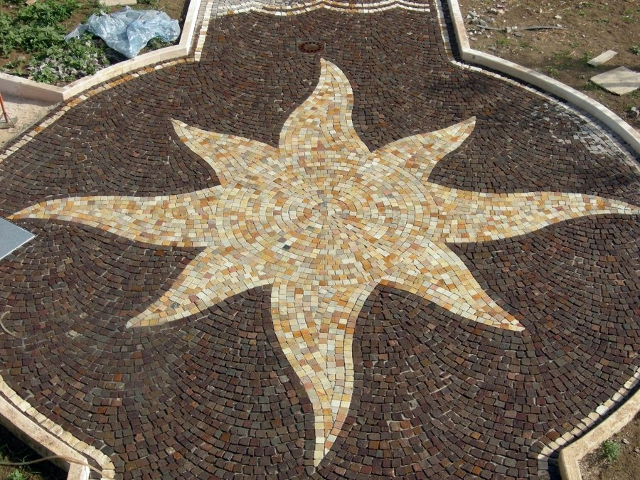 Foto pavimenti porfido con decori di dercin porfidi - Decori per pavimenti ...