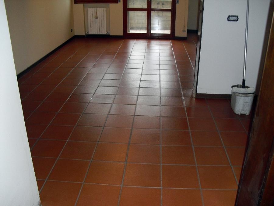 Foto pavimento in cotto tipo ferrone di mediani gian luca for Cotto ferrone