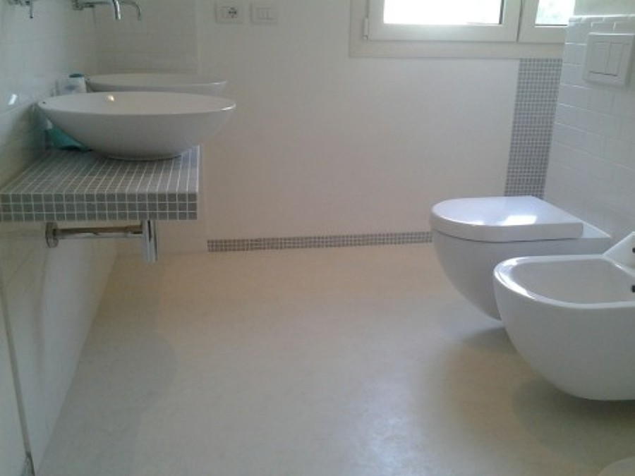 Foto pavimento in micro cemento con finitura opaca di fantacolor 268216 habitissimo - Bagno cemento spatolato ...