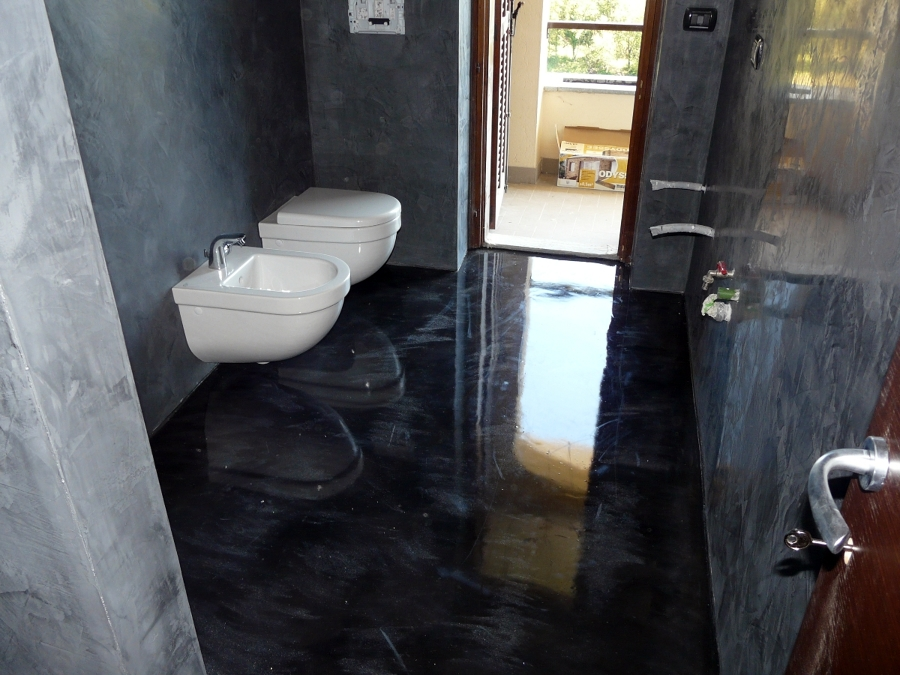 Foto pavimento in resina di progettazione e for Pavimento in resina pro e contro