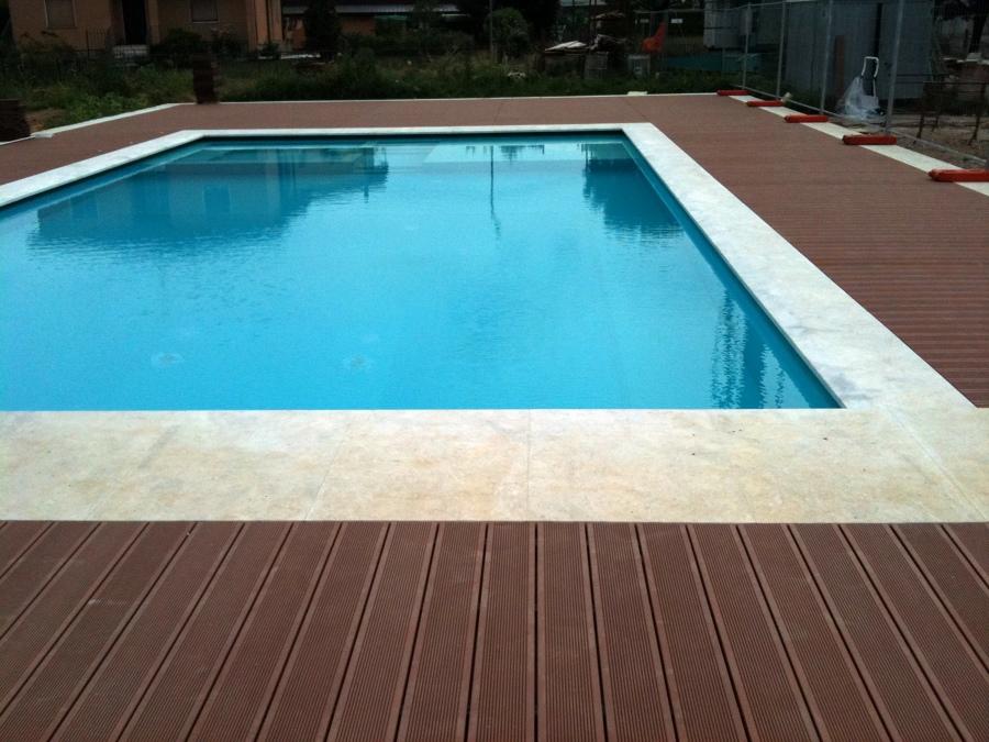 Foto pavimento per esterno in wpc de legno in parquet da vivere 96430 habitissimo - Pavimento pvc esterno ...