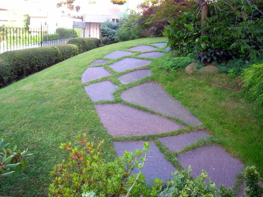 Foto pavimento porfido per giardino di girasole porfidi for Cordoli per giardino