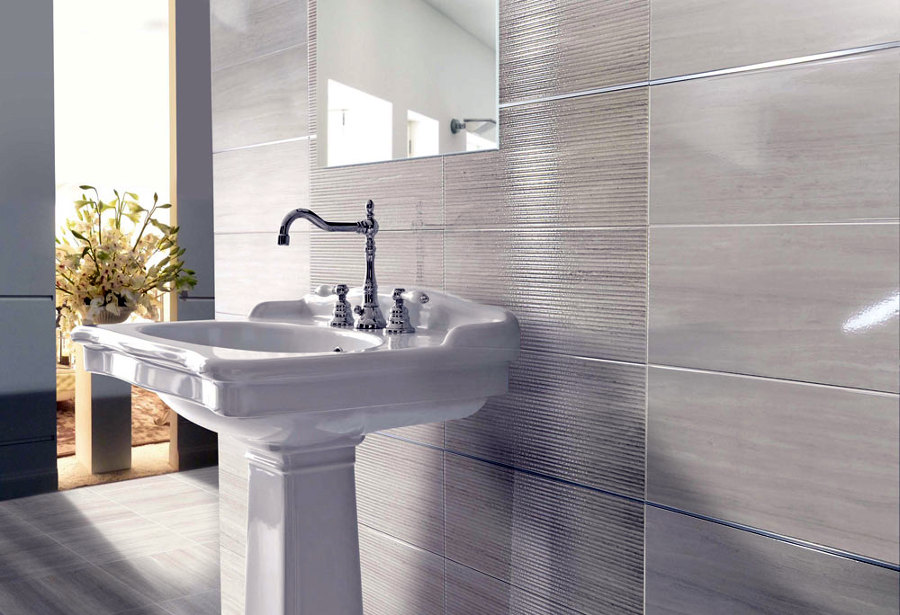 https://it.habcdn.com/photos/business/big/piastrelle-da-bagno-semi-lucide-new_65487.jpg