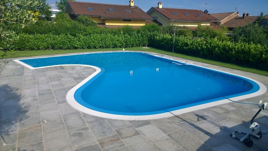Foto piscina con bordo a sfioro di ecoimpianti piscine 253855 habitissimo - Bordo piscina prezzi ...