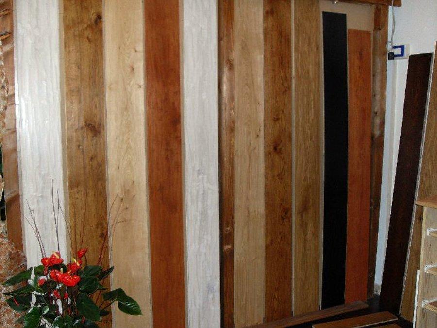 Foto Plance Con Lavorazione Artigianale Di Parquet