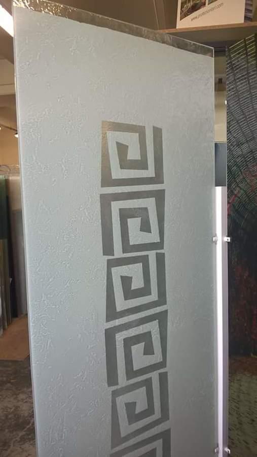 Foto: Porta In Vetro Satinato con Disegno di Vetreria Gandolfo Di ...