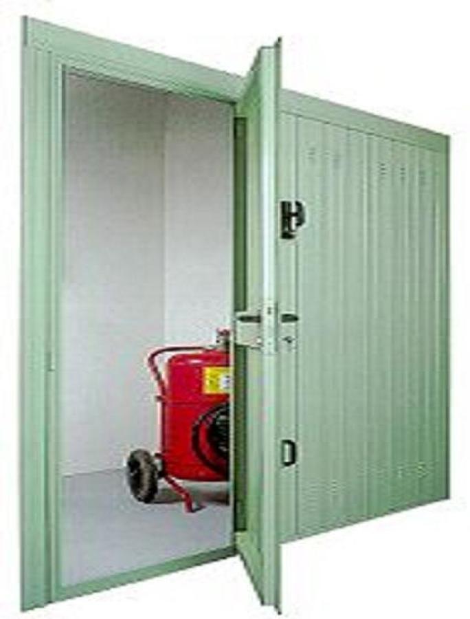 Foto porta basculante con anta pedonale inserita di - Basculante con porta pedonale prezzo ...
