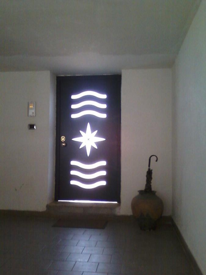 Foto porta blindata con vetro di i c serramenti 184245 - Porta con vetro ...
