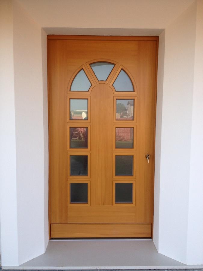 Foto porta d 39 ingresso in legno massello con vetri e - Porte ingresso vetro ...