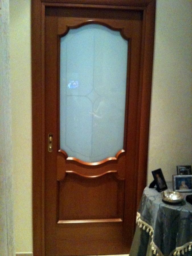 porta in legno noce
