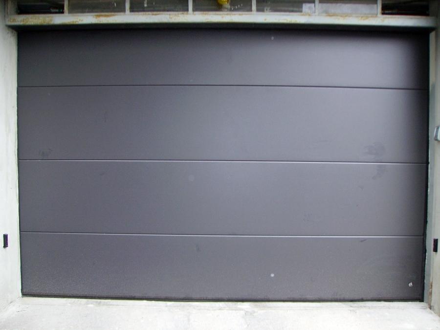 porta sezionale tinta antracite