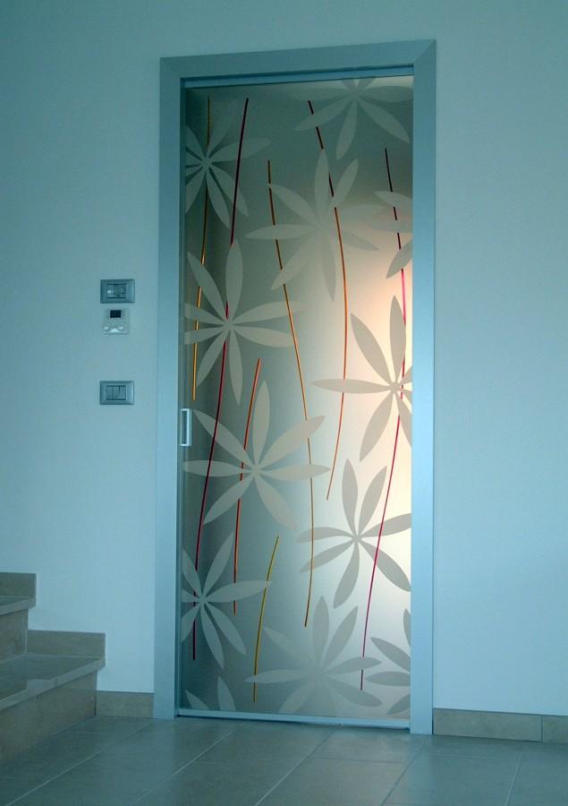 Foto porta vetro scorrevole di mazzoli porte vetro 60981 - Porta scorrevole vetro satinato ...