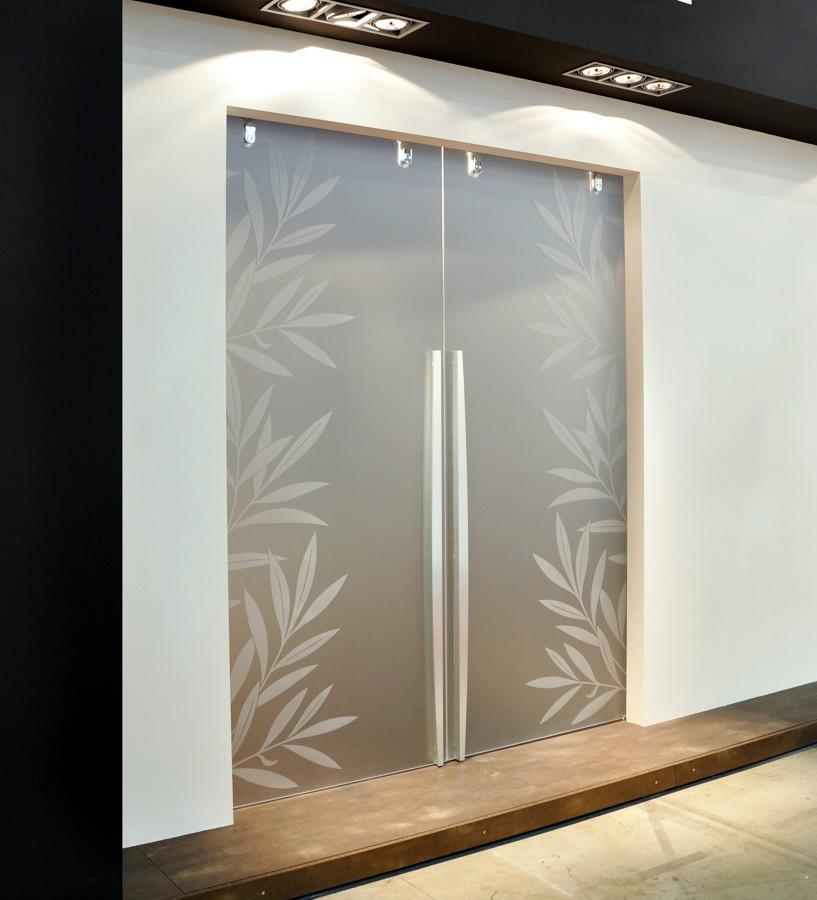 Foto porte cristallo di mazzoli porte vetro 60965 for Porte scorrevoli in vetro napoli