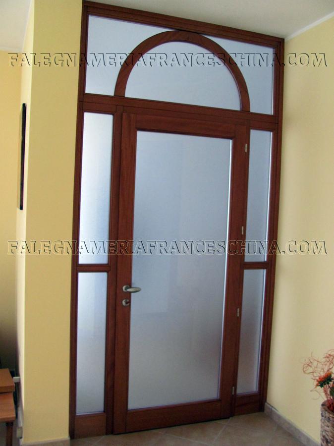 Foto porte particolari per ingresso o per interni di for Case particolari interni