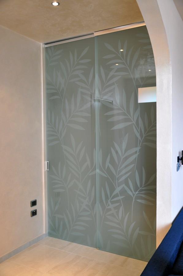 Foto porte vetro scorrevoli de mazzoli porte vetro 60998 for Porte scorrevoli in vetro napoli