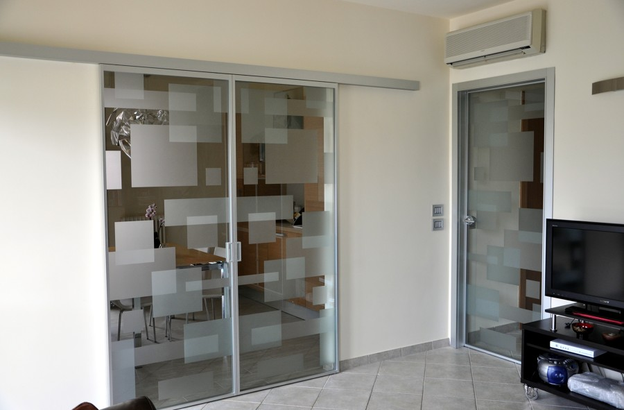 Foto porte vetro de mazzoli porte vetro 60980 habitissimo for Porte scorrevoli in vetro napoli