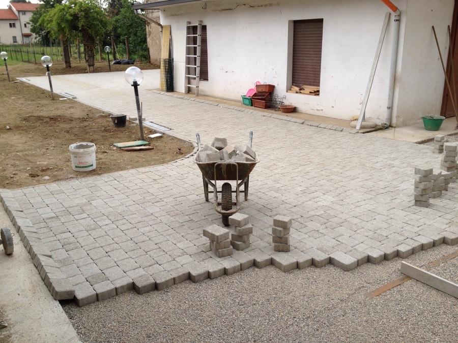 Foto posa autobloccanti di casa project srl 253320 - Posa piastrelle giardino a secco ...