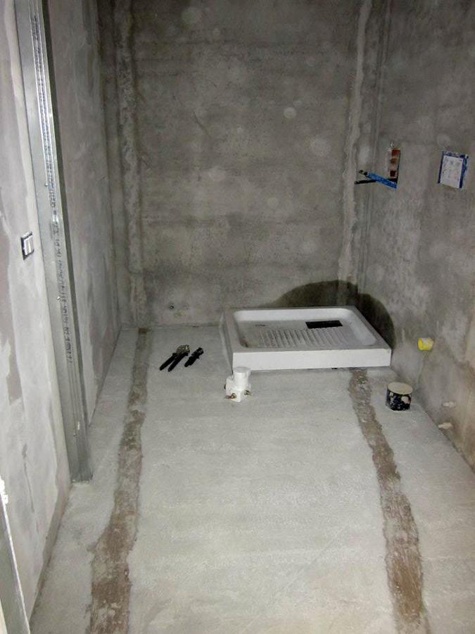 Foto posa piatto doccia de sanitaria riscaldamento snc 47885 habitissimo - Posare un piatto doccia ...