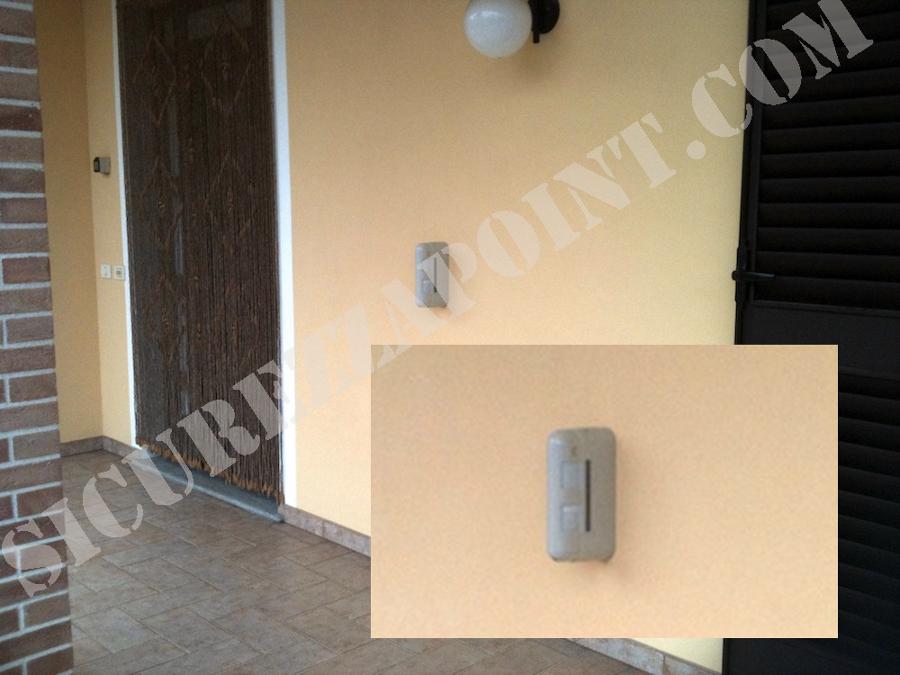 Foto protezione porte e finestre con sensore antifurto - Porte e finestre vicenza ...