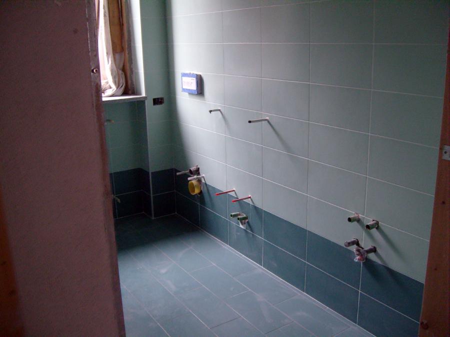 Foto realizzazione bagno di impresa edile f p r 41129 - Costo realizzazione bagno ...