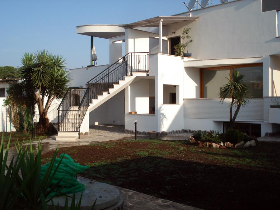 Foto realizzazione villa stile moderno de new dea s r l for Ville stile moderno