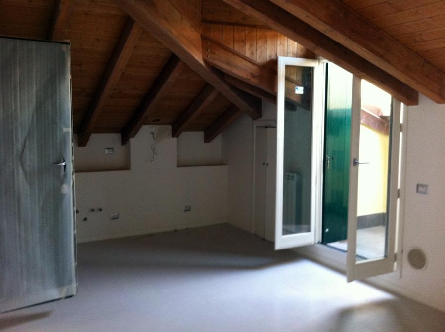 Foto milano porta genova recupero sottotetto di edilcasa 54439 habitissimo - Recupero sottotetto ...