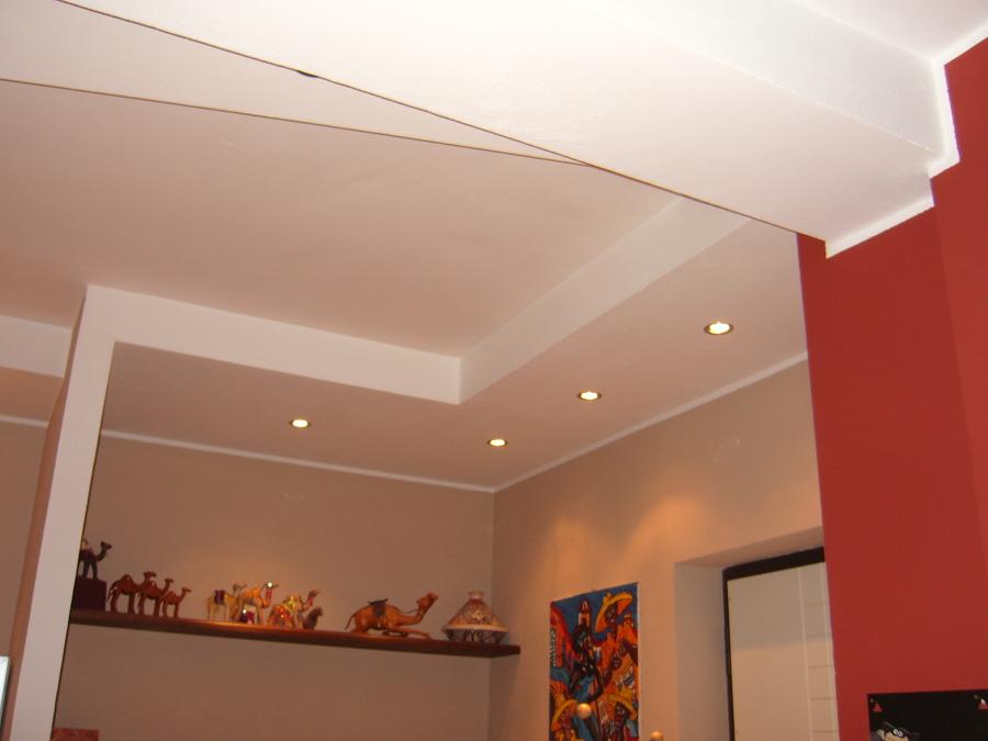 Foto ribassamento con faretti di azienda service 238256 for Faretti soffitto