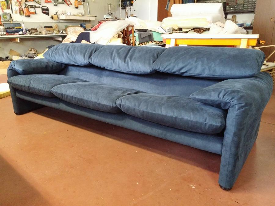Foto rifaciemnto in alcantara divano maralunga di cassina di panzini marco 252471 habitissimo - Divano maralunga cassina ...