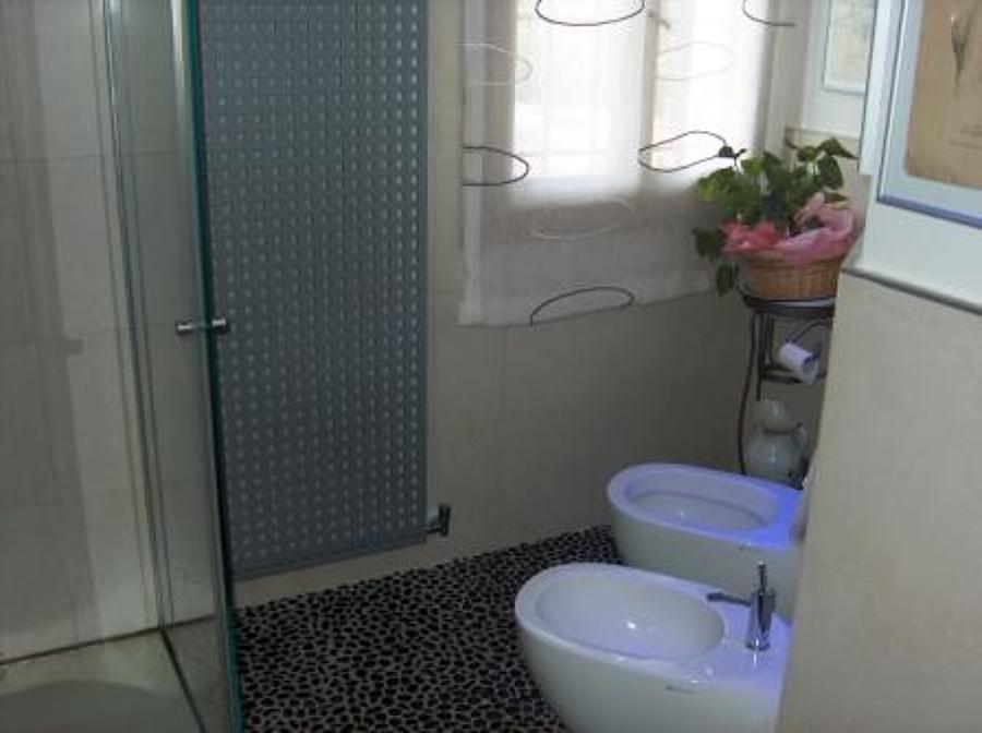 Foto rifacimento bagno completo di domus impianti di - Rifacimento bagno ...