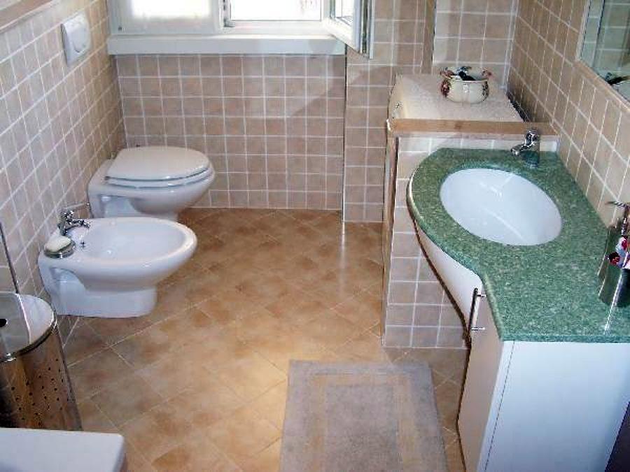 Foto rifacimento bagno de aramino impresa edile 75035 - Costo medio ristrutturazione bagno ...