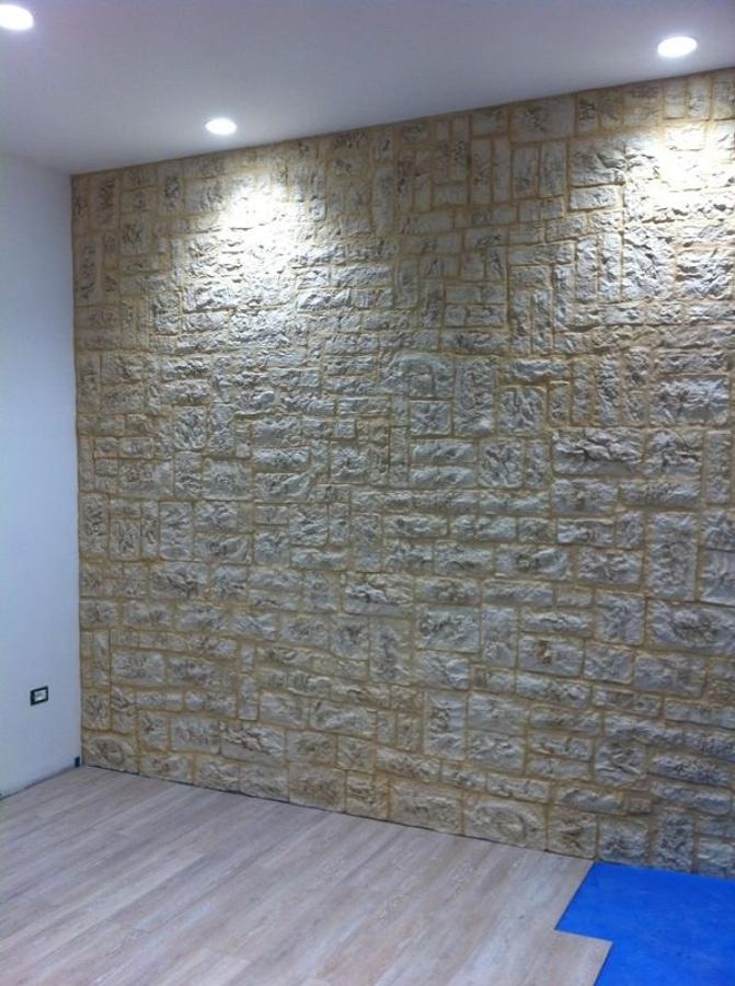 Foto rifacimento muro in pietra e posa pavimento laminato - Incollare piastrelle su pavimento esistente ...