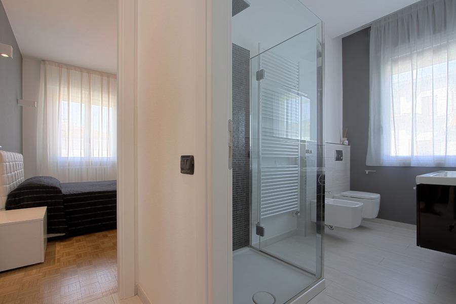 Foto ristrutturazione appartamento di studio maa design for Appartamento design roma