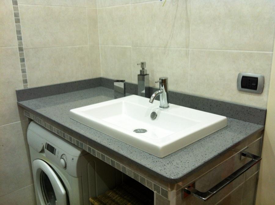 Foto ristrutturazione bagno di servizio de idroelettrica - Lavandino bagno da incasso ...