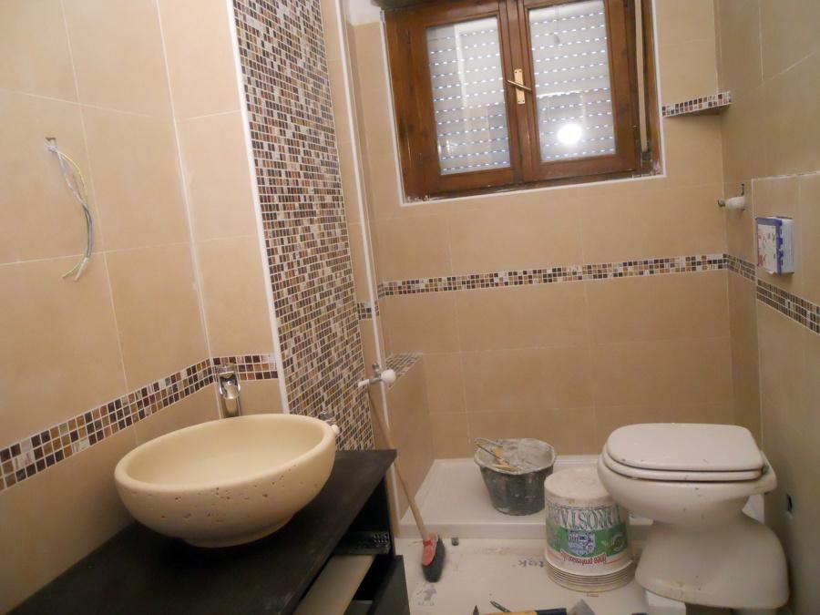 Foto: Ristrutturazione Completa Bagno di Arredobagno e ...