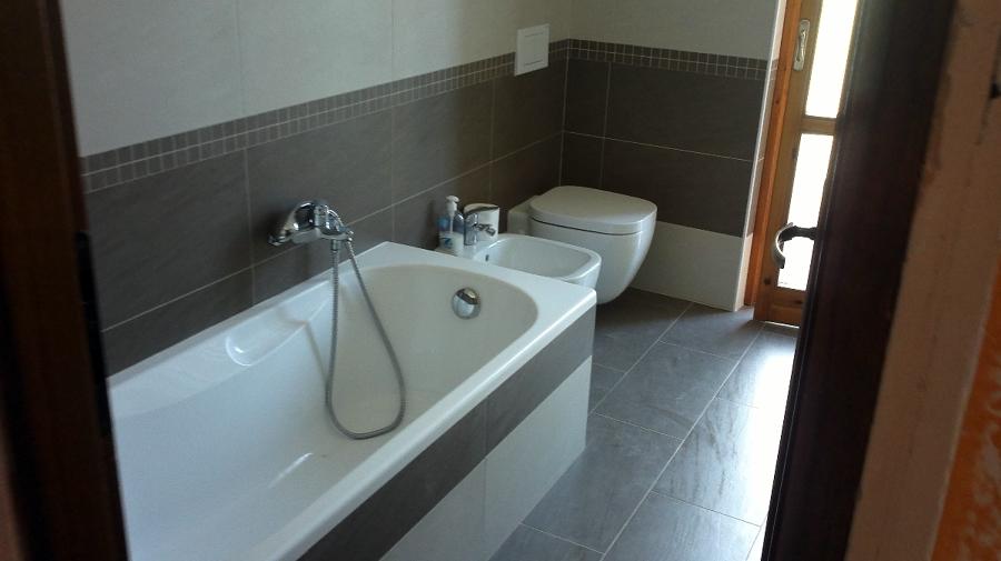 Foto ristrutturazione completa di un bagno in provincia - Ristrutturazione bagno verona ...